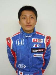 レーシングドライバー野尻智紀選手